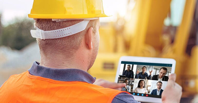 construction-worker-on-video-call