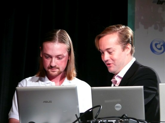 Alexander Vinogradov and Jason Calacanis demoing Loudtalks at TechCrunch40